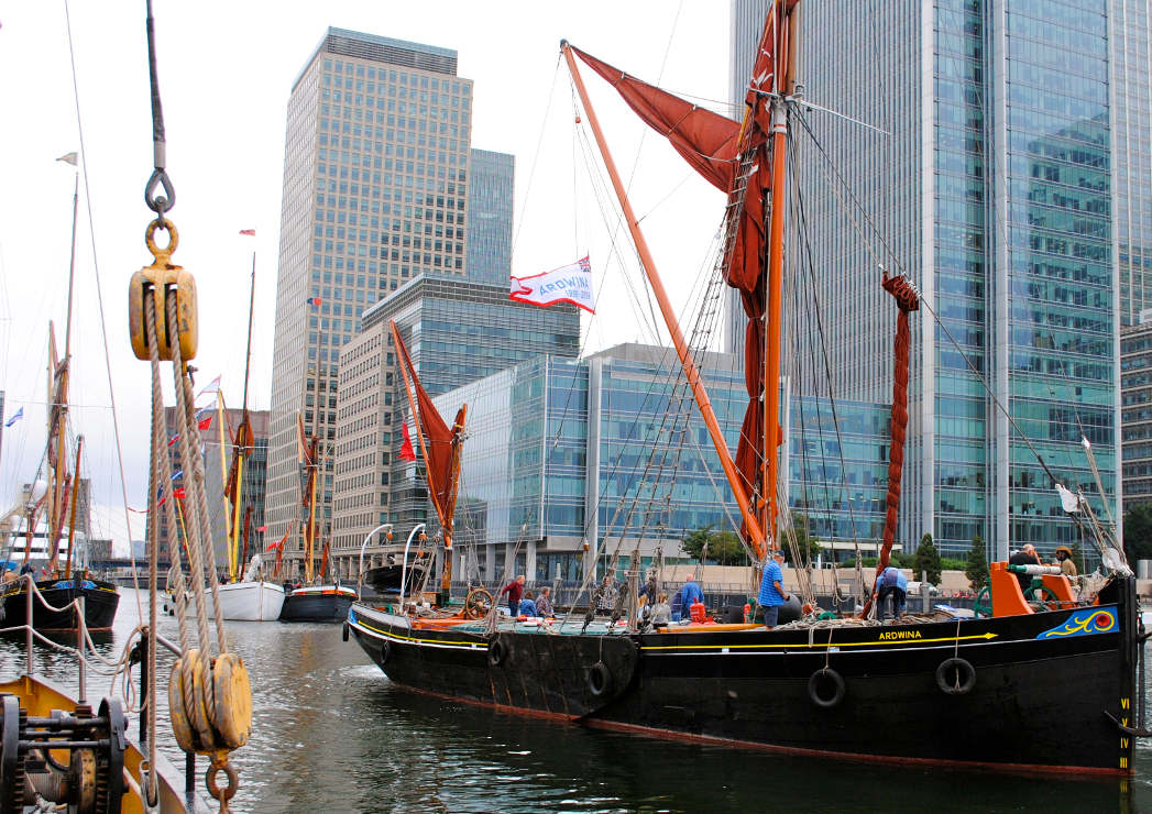 Ardwina taking her place in the dock (@ West India Dock) — Picture by Renee Waite